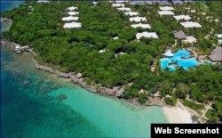 Paradisus Río de Oro, uno de los hoteles operados por Meliá en Playa Esmeralda. (Captura de imagen/Sitio Oficial de Meliá)