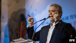 El candidato uribista Iván Duque es elegido presidente de Colombia.