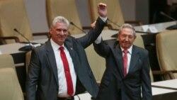 """Díaz Canel, """"elegido democráticamente por Raúl Castro"""", señalan opositores"""