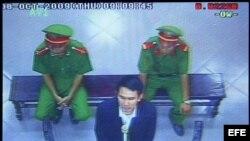 Foto de archivo durante el juicio a bloguero vietnamita en el 2009