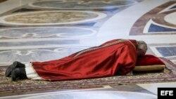 El papa Francisco celebra la Pasión del Señor