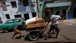 """El régimen la emprende contra los """"carretilleros"""""""