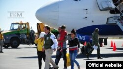 Migrantes cubanos arriban a Nuevo Laredo, México, procedentes de Costa Rica.