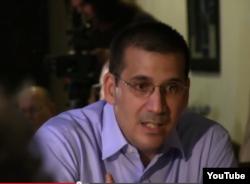Antonio Rodiles en conferencia de prensa sobre cambio de política de EEUU hacia Cuba (18 de diciembre, 2014).