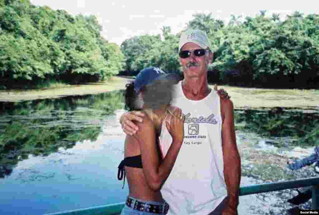 Cubadave en Cuba. Strecker asegura que la foto fue tomada en San Antonio de Los Baños.