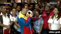 El vicepresidente venezolano Jorge Arreaza encabezó la ocupación de las plantas Clorox