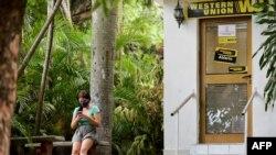 Oficina de Western Union en La Habana, Cuba.