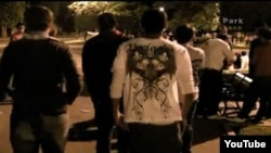 El parque G, uno de los sitios de encuentro preferidos por los jóvenes habaneros. Imagen del documental Los nietos de la Revolución