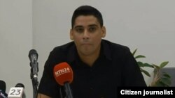 Carlos Amel Oliva.