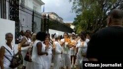 Reporta Cuba Damas Condolencias Francia fotos Berta Soler