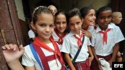 Fotografía de archivo de estudiantes cubanos.