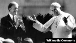Ronald Reagan junto al Papa Juan Pablo II.