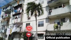 Zona en cuarentena, indica un cartel en un barrio de Pinar del Río. Tomado de Telepinar.