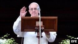 El Papa Francisco durante su mensaje pascual.