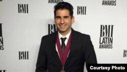 Osmani Espinosa en los Premios Latinos BMI.