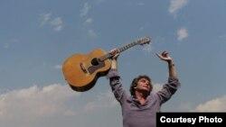 Iván Latour presenta su nuevo álbum en Miami