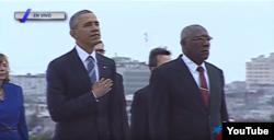 Barack Obama junto a Salvador Valdés Mesa, ex secretario general de la Central de Trabajadores de Cuba.