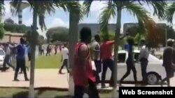 Deportados becarios congoleses que protestaron en Cuba