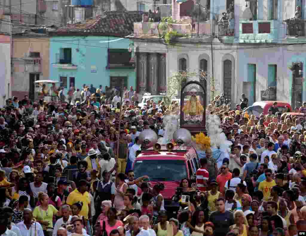 Procesión de la Virgen de la Caridad del Cobre, patrona de Cuba