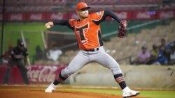 El lanzador cubano Jorge Martínez logro su primera victoria en la liga invernal dominicana