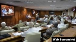 Consejo de Ministros de Cuba no será renovado hasta julio próximo.
