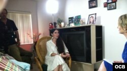 Entrevista de la periodista Karen Caballero a Yoani Sánchez en Miami