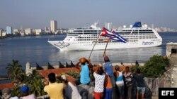 El Crucero Adonia llega a La Habana