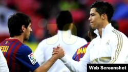Lionel Messi, Barça (i), y Cristiano Ronaldo, Real Madrid (d).