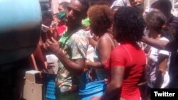 Vecinos de la Habana Vieja desesperados por la falta de agua potable. (@AsicSomos)