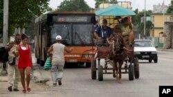 Un coche de caballos en La Habana (Foto: Ismael Francisco/AP).