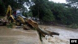 Huracán Otto provoca muertos y serios daños en Costa Rica y Nicaragua