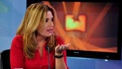 Sacerdote cubano encara a periodista oficialista sobre tema del aborto y acceso a la información