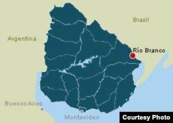 Decenas de cubanos han pedido asilo en la fronteriza ciudad uruguaya de Rio Branco.