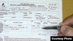 """Alrededor de un tercio de los cubanos que declaran ingresos son considerados """"subdeclarantes"""" por la ONAT."""