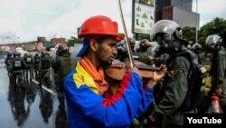 """""""Un himno desde un violín"""""""