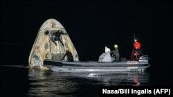 La nave de SpaceX concluye su misión el 2 de mayo de 2021 (AFP/NASA/Bill Ingals).