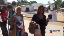 A un paso de la libertad primer grupo de cubanos provenientes de Costa Rica