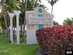 Una de las entradas a Miami Beach.