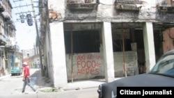 Peligro por partida doble para residentes de edificio en Centro Habana