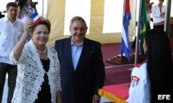 Raúl Castro y Dilma Rousseff inauguran la primera etapa del puerto del Mariel, en enero de 2014..