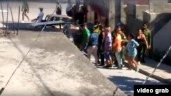 Imágenes del arresto de activistas de UNPACU.