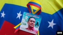 Imagen del diputado asesinado Robert Serra en la ciudad de Caracas (Venezuela).