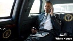 El presidente Obama, en el auto presidencial en Palm Beach, Florida.