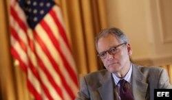 El embajador en funciones de EEUU en Cuba, Jeffrey DeLaurentis.