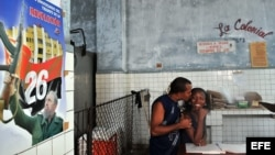 Archivo (2008) - Bodega cubano, centro de venta de alimentos en Santiago de Cuba.
