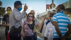 Tiendas en dólares agravan escasez de productos en otros comercios, opinan cubanos