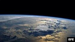 La concentración de carbono en la atmósfera supera los límites aptos para la vida sana.