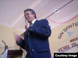Pastor Manuel Morejón Soler, presidente de la Alianza Cristiana de Cuba (ACC) en una prédica dominical.