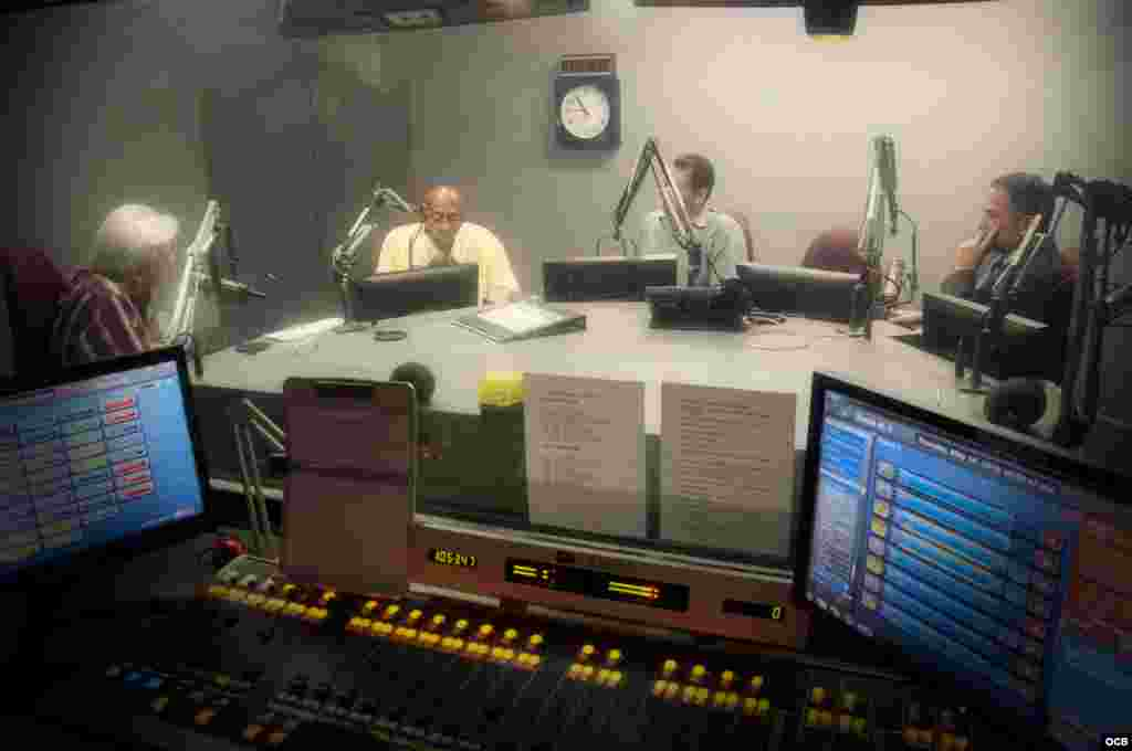 Activist Guillermo Fariñas on the air at Radio Martí