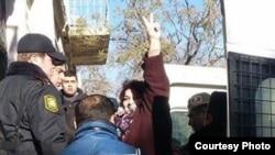 Jadija Ismailova: un año tras las rejas por denunciar la corrupción